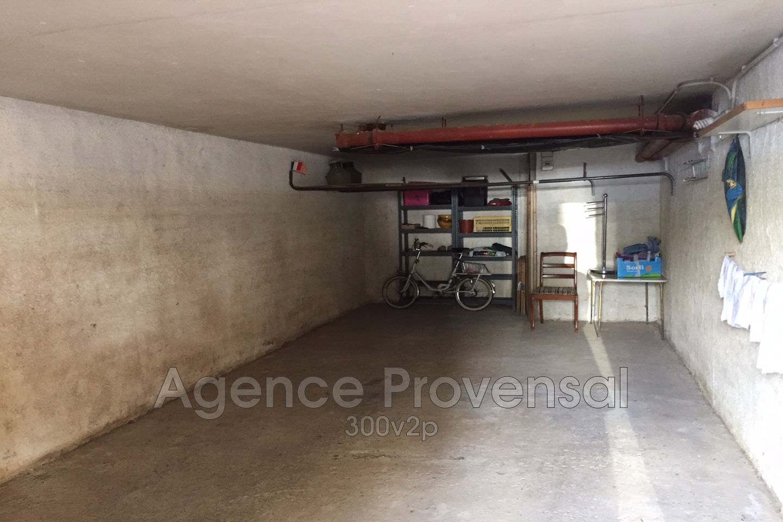 GARAGE A VENDRE PROCHE CENTRE VILLE DE SAINTE MAXIME