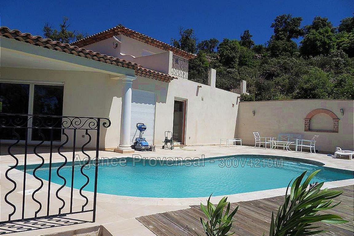 Belle villa t5 avec piscine et vue degagee a vendre face au golf de sainte ma - Belle villa avec piscine ...