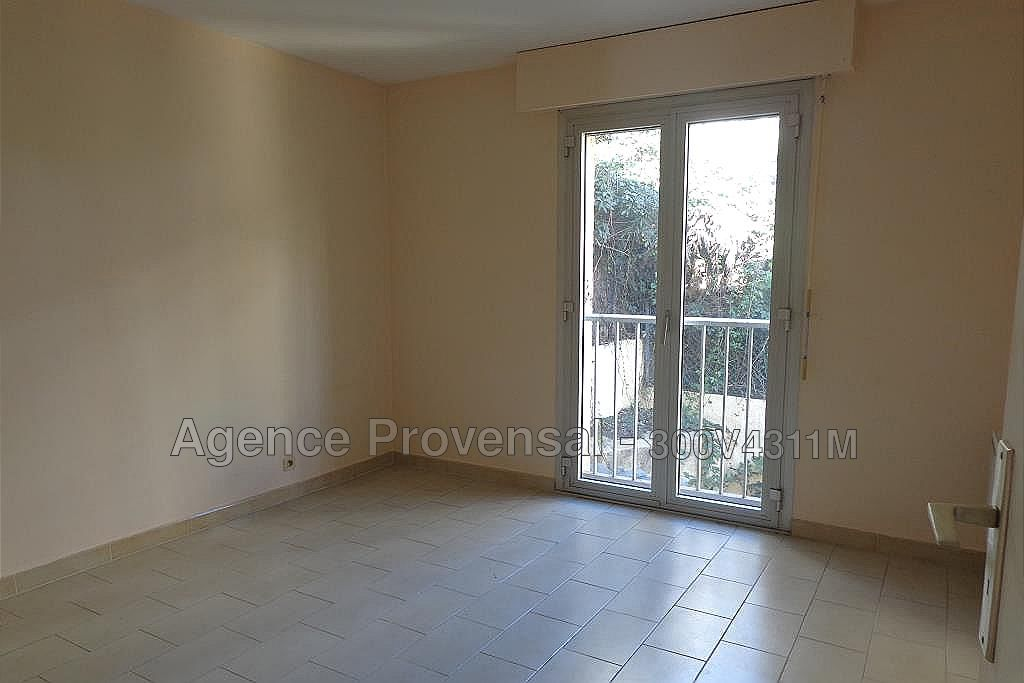 MAISON COMPOSEE DE 3 APPARTEMENTS A VENDRE AU CENTRE DE SAINTE MAXIME