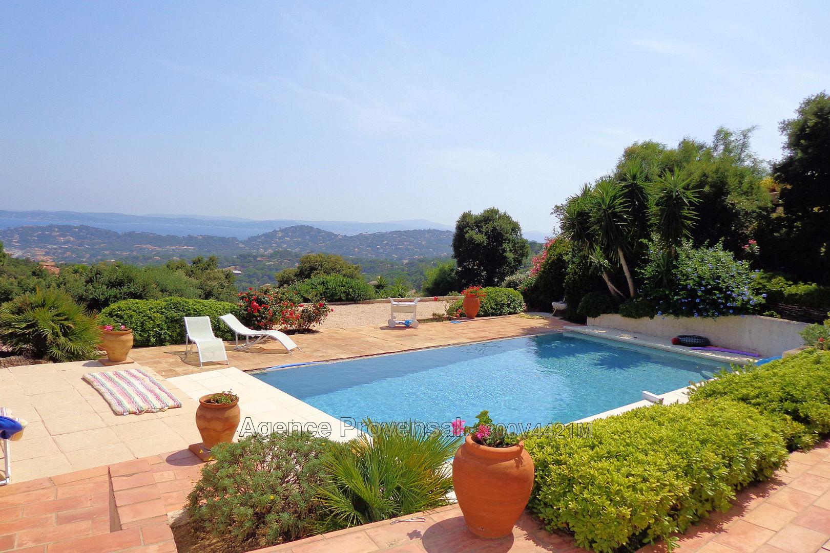 Vendu villa avec piscine et superbe vue sur mer a vendre for Piscine sainte maxime