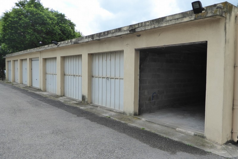 appartement t3 t3 aix sud balcon cave garage dans copropri t aix en provence sud gestion. Black Bedroom Furniture Sets. Home Design Ideas
