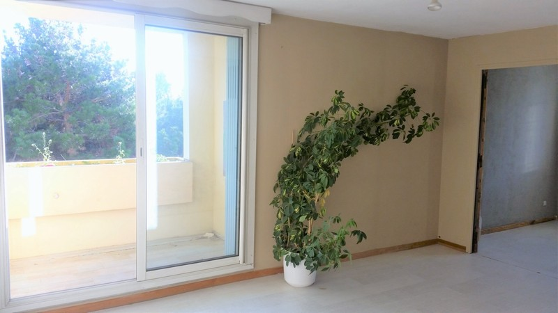 Appartement  T4 de 81 m2 rés sécurisées, terrasse, double vitrage Aix En Provence