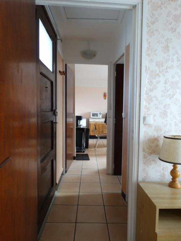 Maison de type 4 de 93 m2 sur 3 niveaux sur 698 m2 de terrai