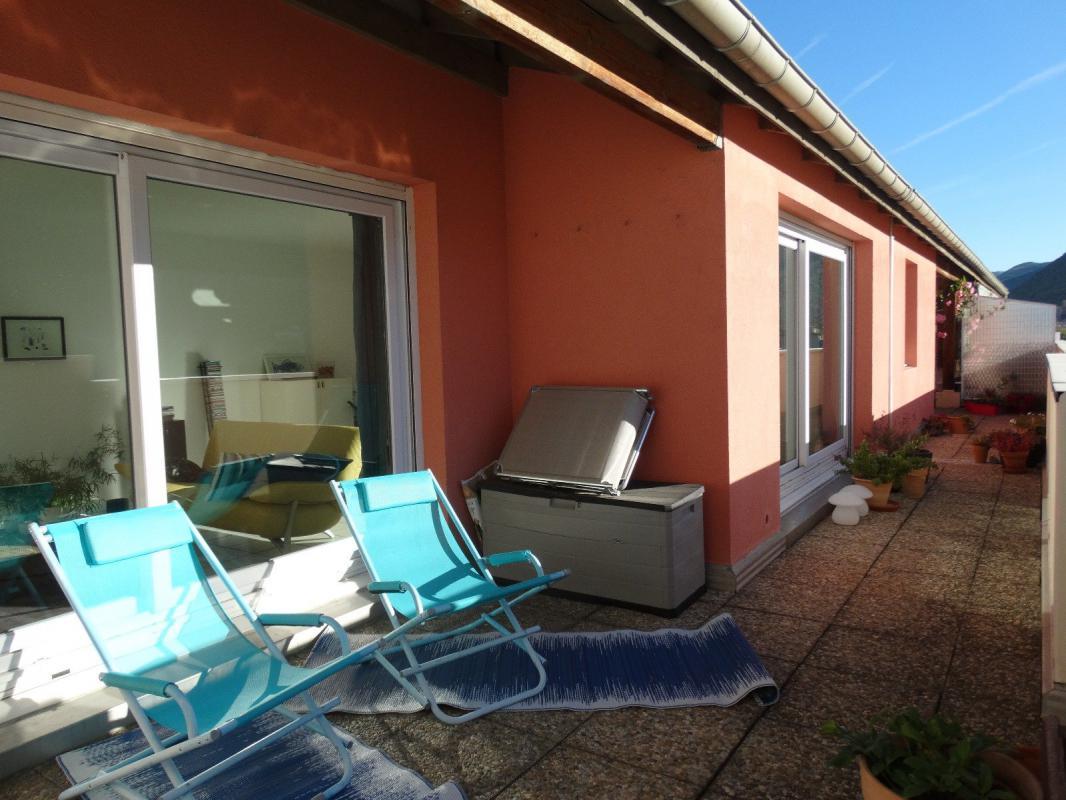 EXCLUSIVITÉ Appartement type 4  de 122 m2 terrasse et garage