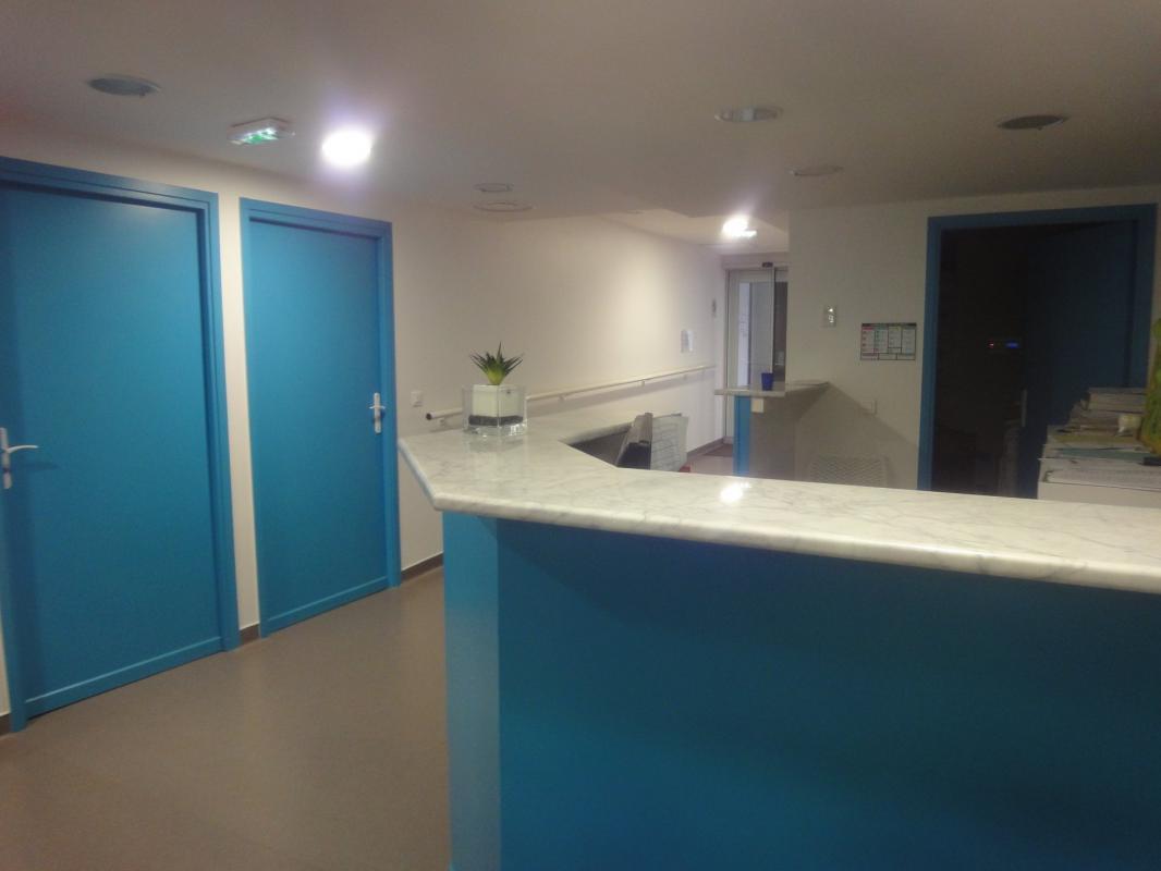 Locaux Professionnels de 245 m2 + type 2 indépendant en Hype