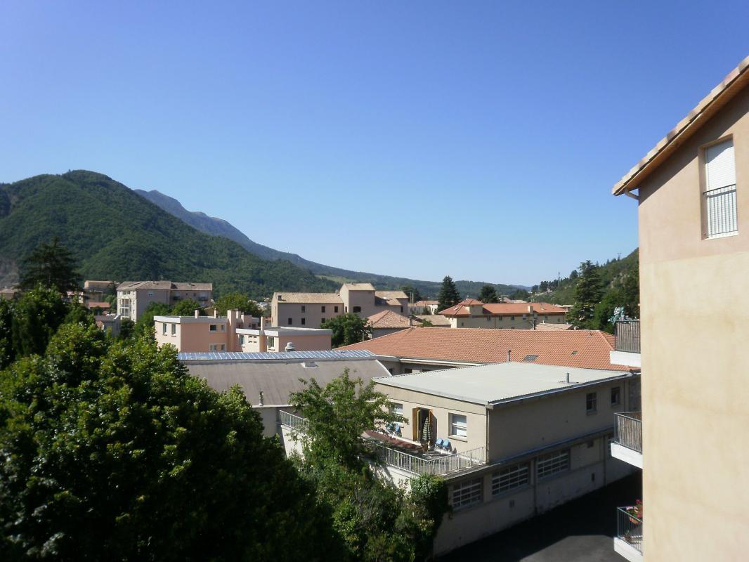 Appartement  T2 DIGNE, APPARTEMENT TYPE 2 AVEC TERRASSE Digne Les Bains