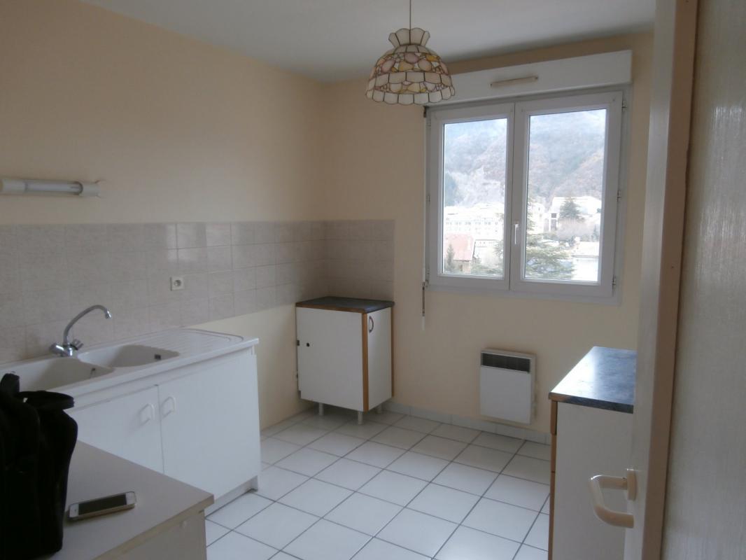 Appartement  T3 DIGNE, APPARTEMENT TYPE 3 AVEC GARAGE Digne Les Bains