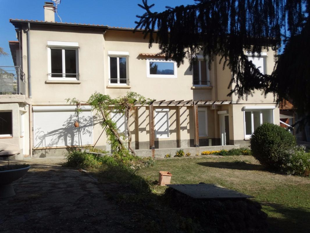 T7 Propriété en Centre Ville Digne Les Bains