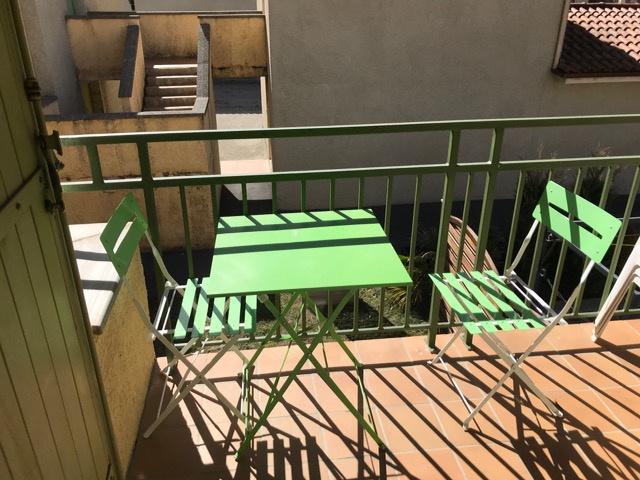 Appartement  T2 LOCATION CURISTES - VACANCES T2 DANS RESIDENCE AVEC PISCINE Digne Les Bains