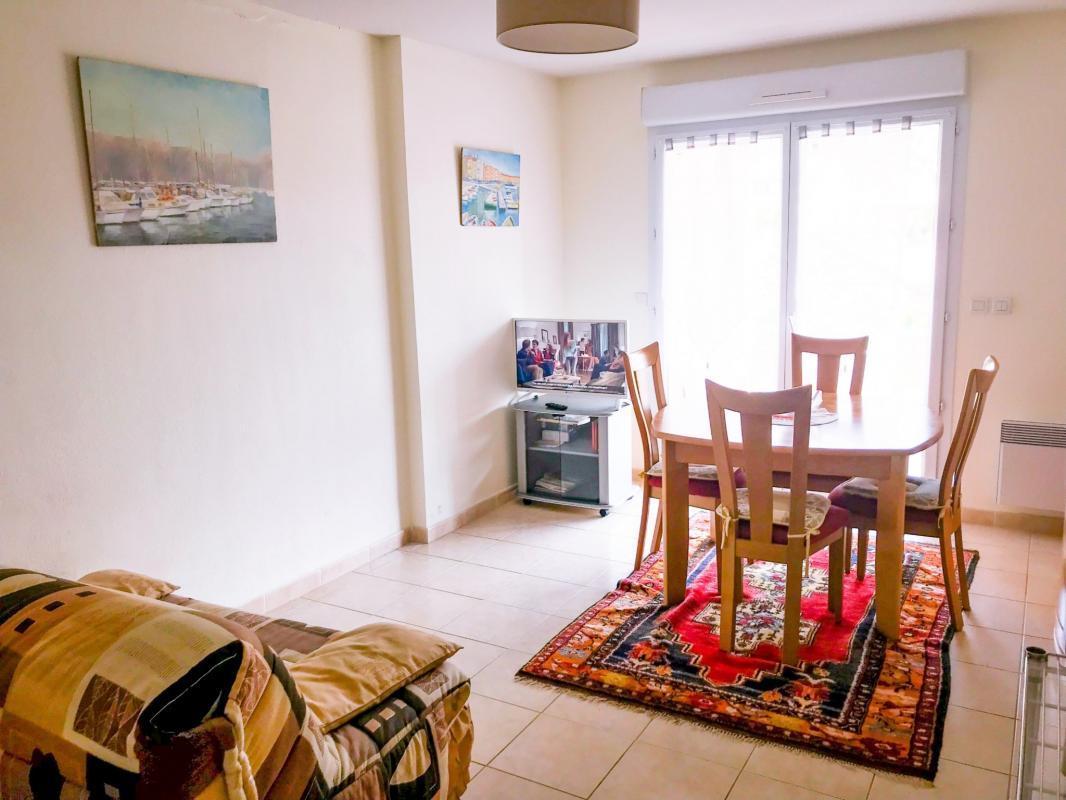 Appartement  T2 LOCATION VACANCES OU CURISTES T2 MEUBLE AVEC TERRASSE C.Vill Digne Les Bains