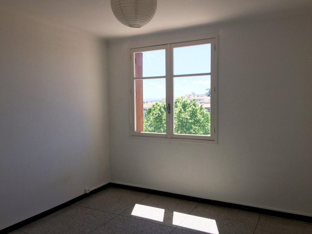Appartement  T3 Manosque (04100), Appartement T3 dans residence securisee pr Manosque