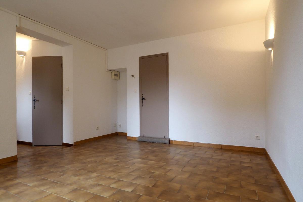 appartement t1 studio manosque immo manosque. Black Bedroom Furniture Sets. Home Design Ideas