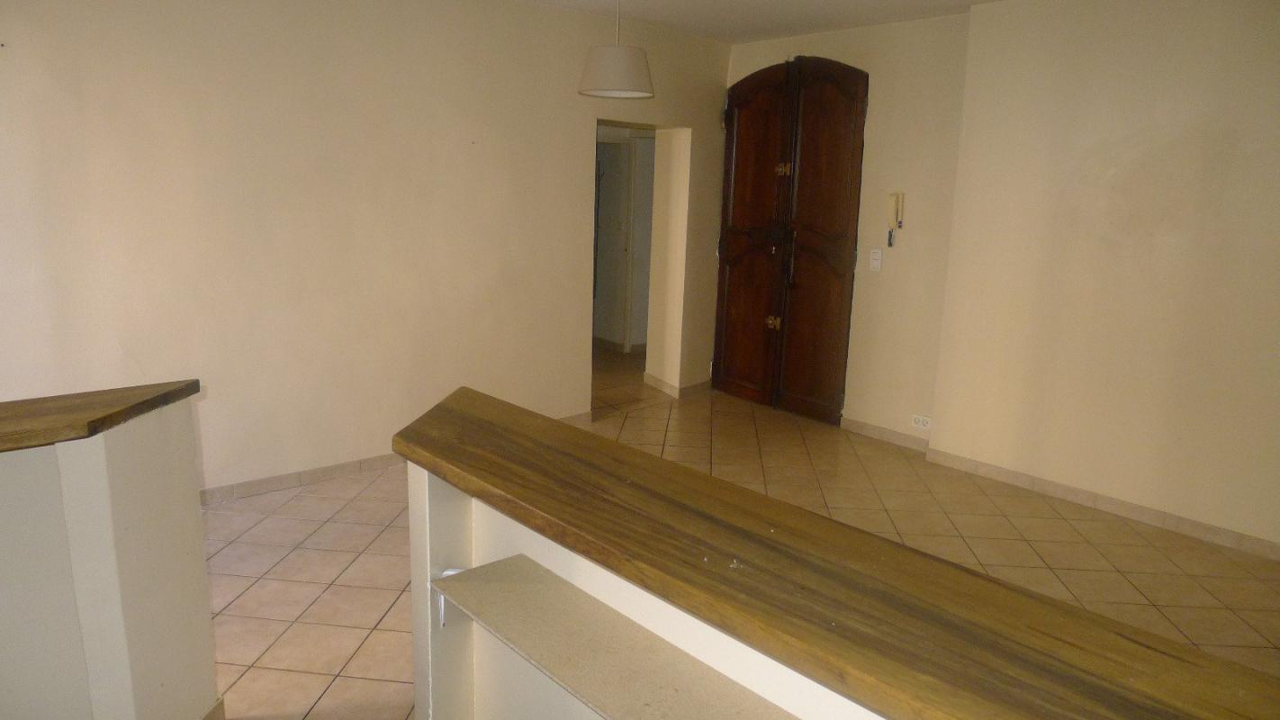 Appartement  T2 Manosque (04100), Appartement T2 en 1er etage Manosque