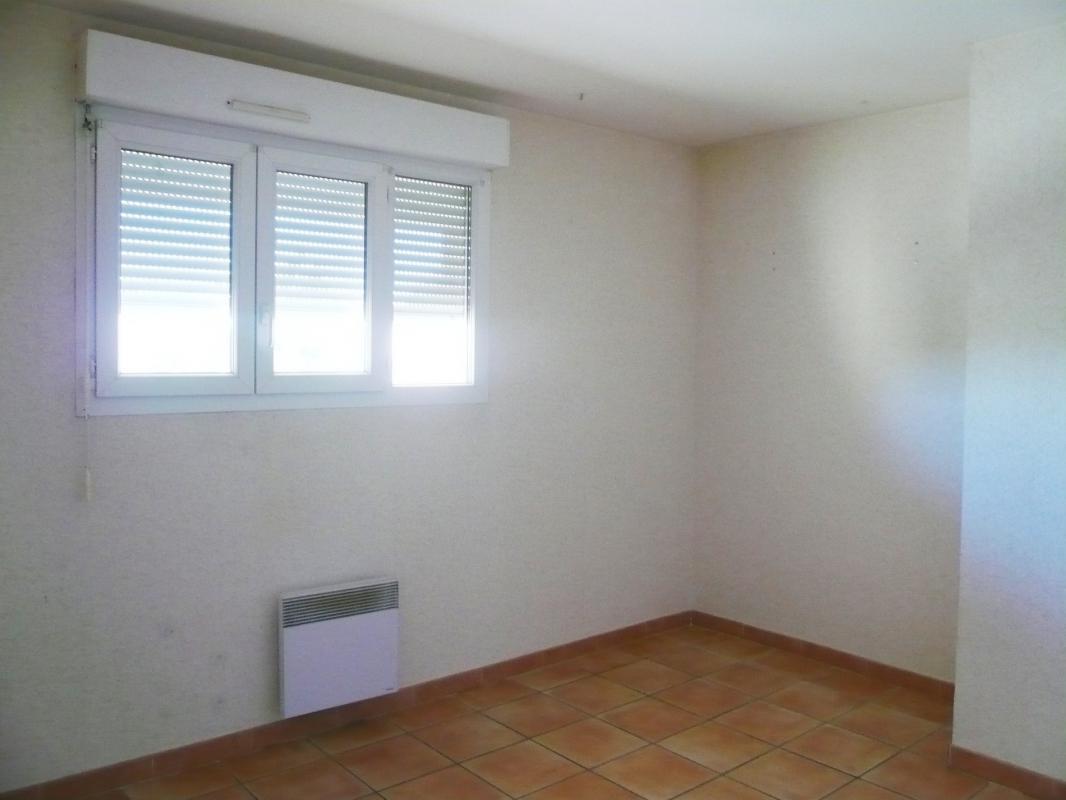 Appartement  T3 RARE A PIERREVERT rez de chaussée de type3 de 63m2 Pierrevert