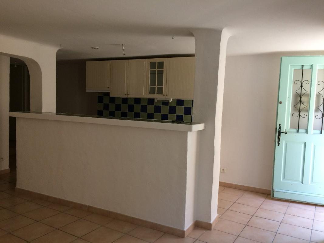 Appartement  T3 BEAU T3 A CORBIERES Corbieres