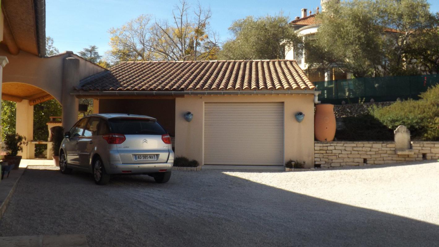 Maison  T7 Splendide villa d'architecte de 200 m2 en vue dominante sur Forcalquier