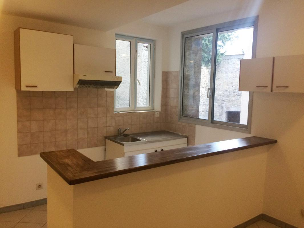 Appartement  T2 Manosque (04100), Bel appartement T2 entierement renove Manosque