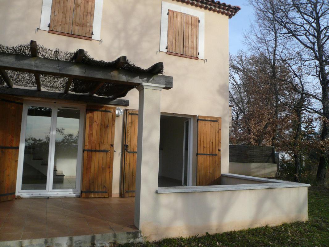 Maison  T4 jolie maison de type 4 avec garage et jardin clos Pierrevert