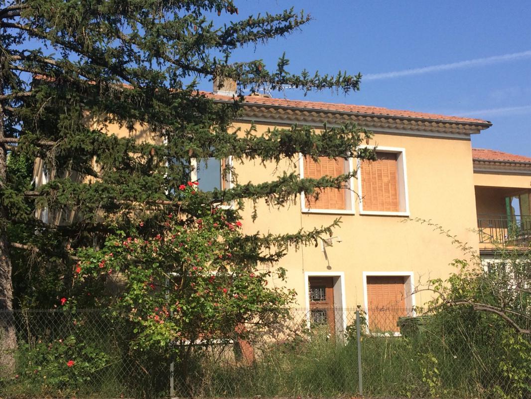 Maison  T6 VILLA T5 DE 140 M2 A RENOVER PROCHE CENTRE VILLE Manosque