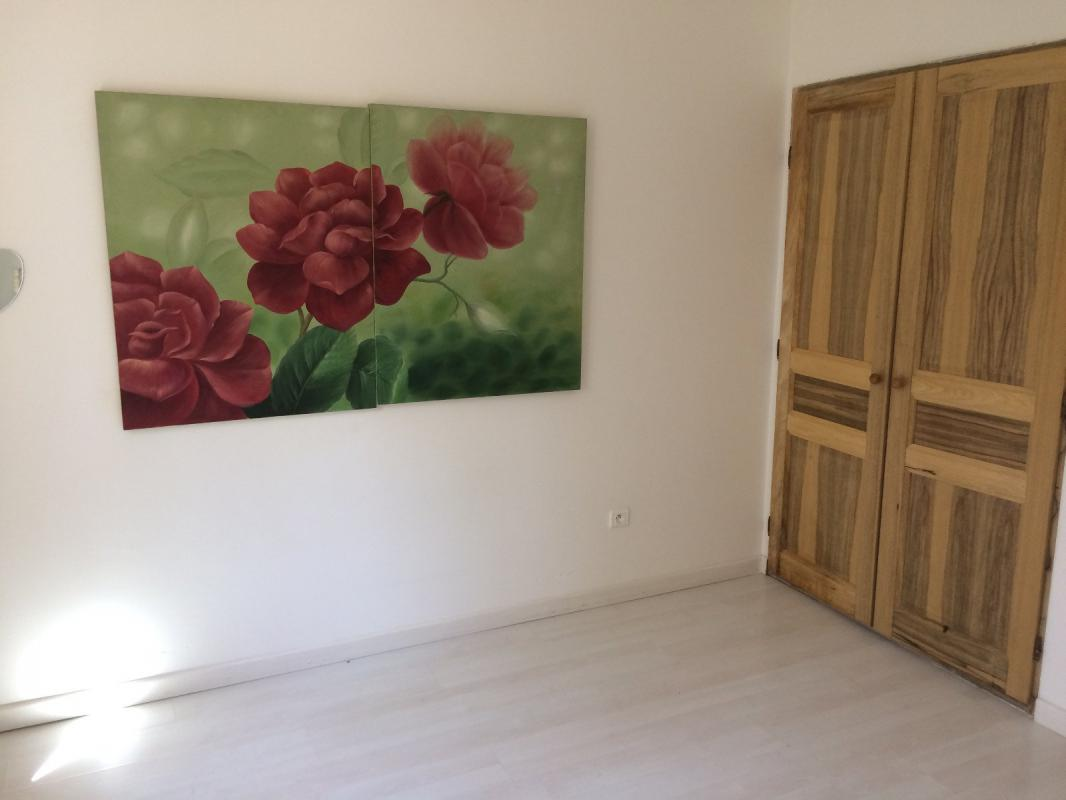 Maison  T6 PIERRERUE, jolie villa T4 et appartement T2, sur 1347 m2 de Pierrerue