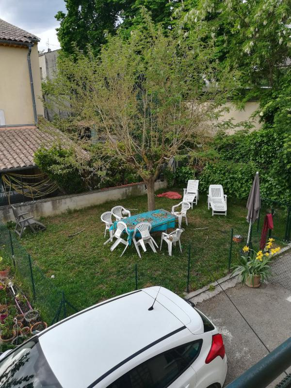 Appartement  T4 Manosque (04100), Haut de villa avec jardin Manosque