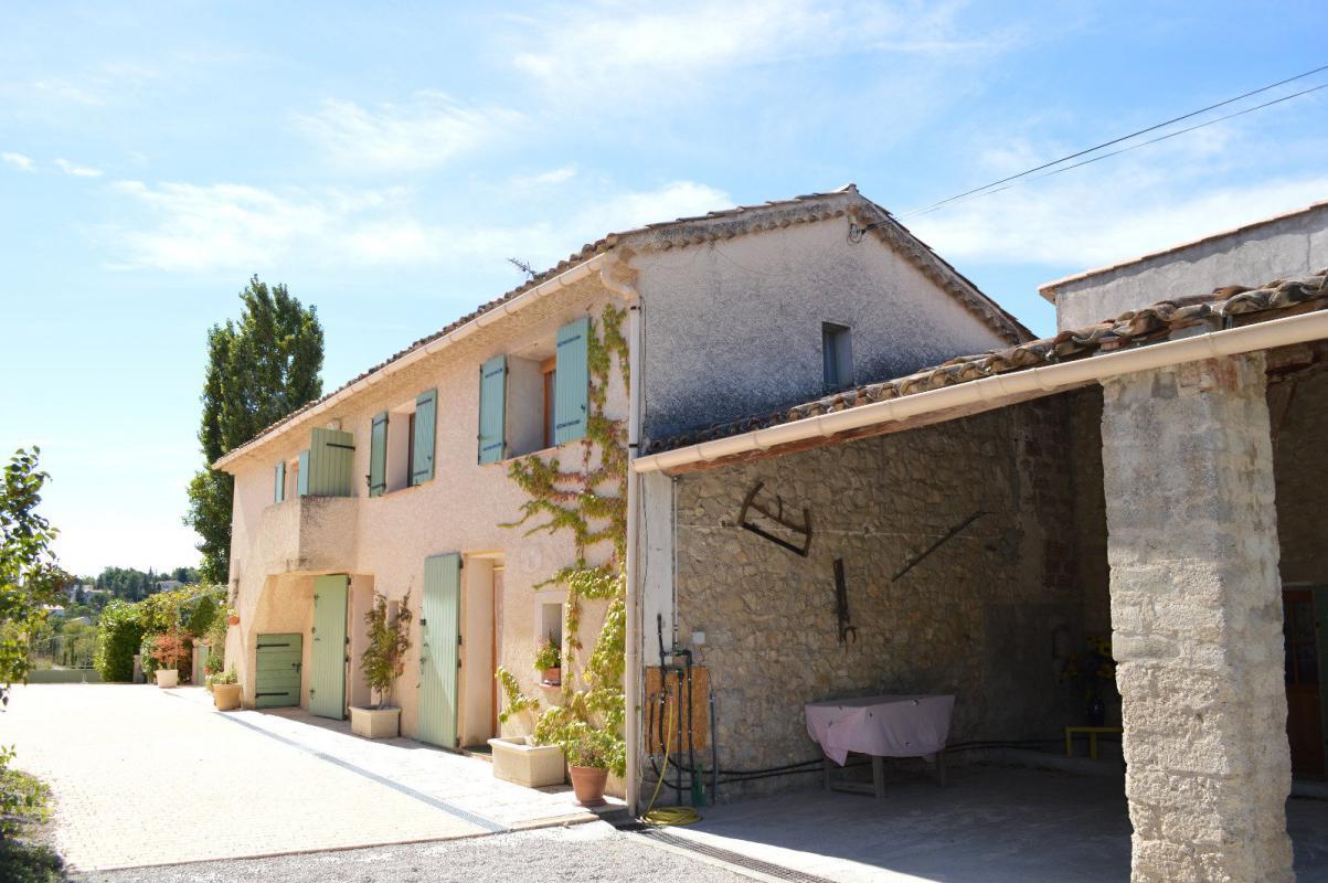Maison t11 maison avec corps de ferme avec piscine for Acheter maison manosque