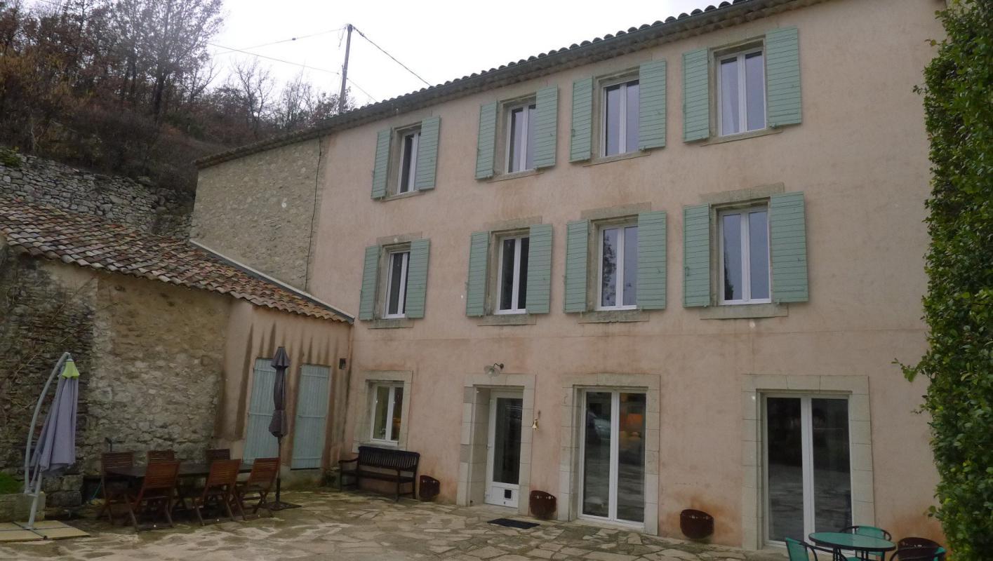 Maison  T16 Maison 375 m2 16 pieces Reillanne