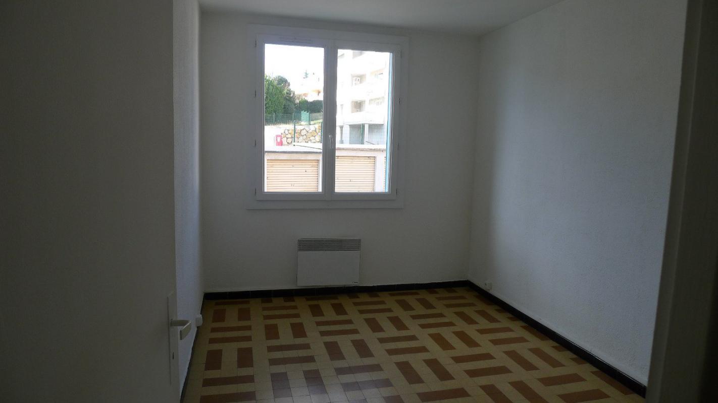 Appartement  T3 Manosque (04100), Appartement T3 au 1er etage, proche Parc d Manosque