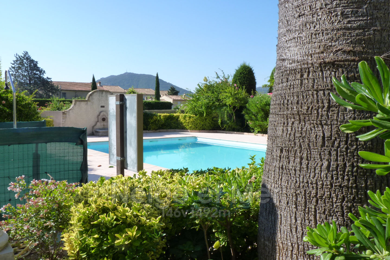 Mazet mitoyen résidence avec piscine Plan de la Tour