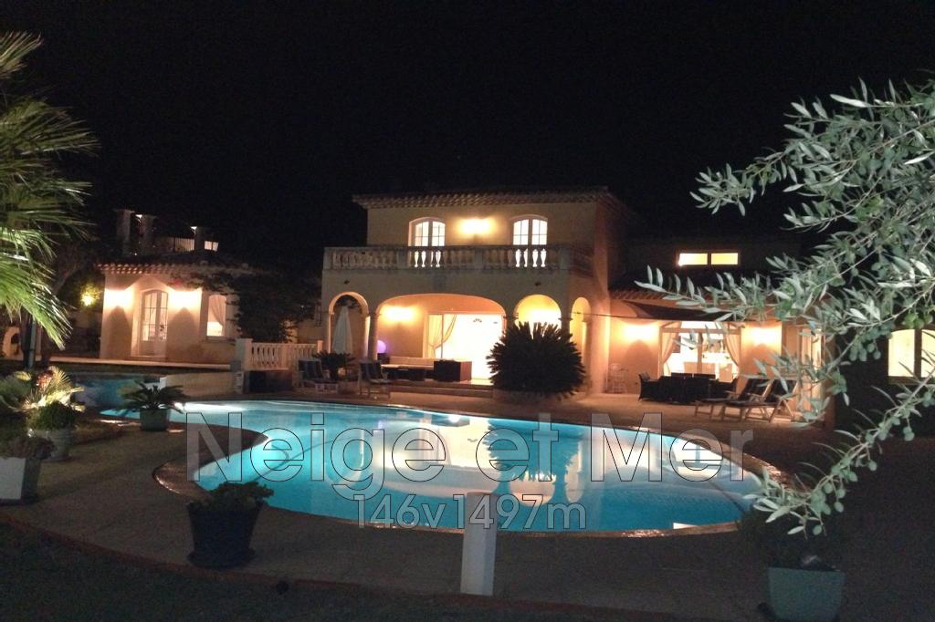 Villa piscine chauffée jacuzzi domaine sécurisé Sainte-Maxime