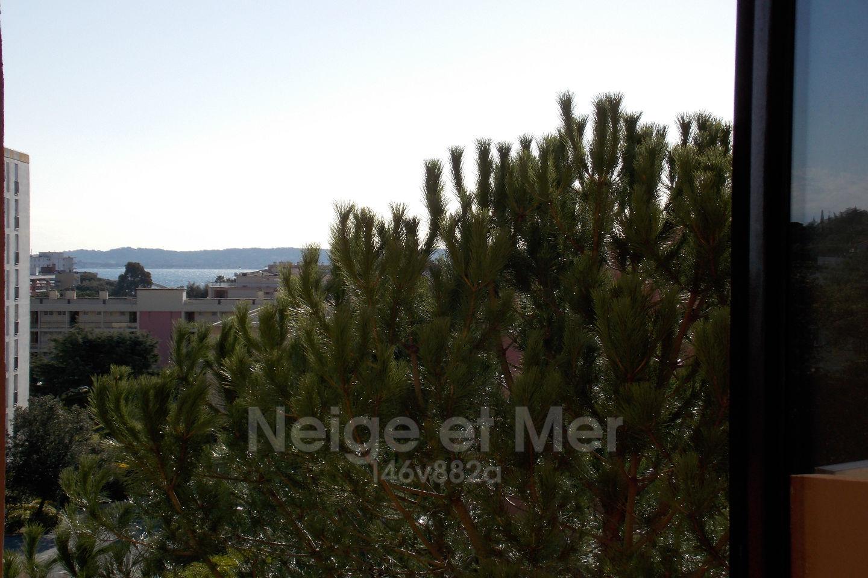 Studio avec aperçu mer résidence tennis  Sainte- Maxime