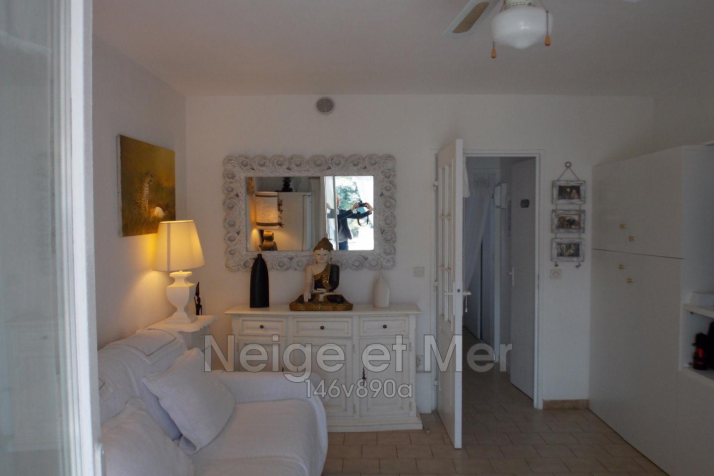 Appartement 2 pièces rez de jardin plage de La Nartelle à Sainte-Maxime