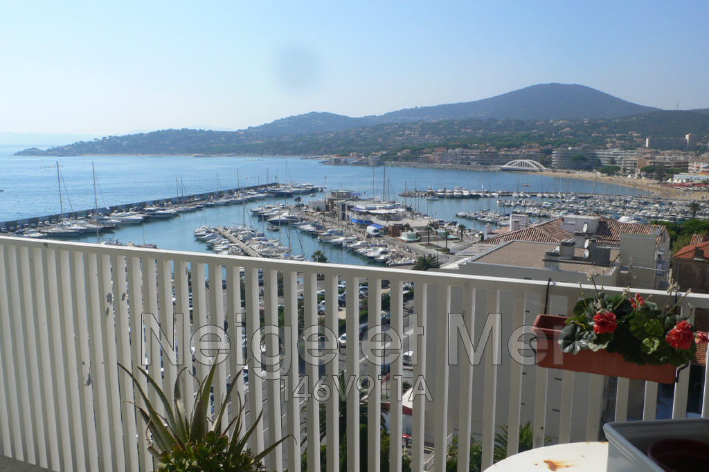 appartement  T3 centre ville vue mer garage Sainte-Maxime