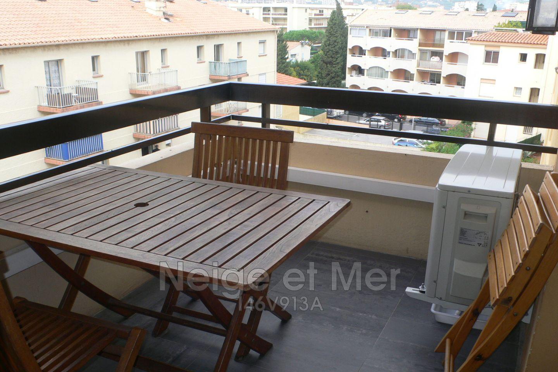 appartement  T1 dernier étége centre ville Sainte-Maxime