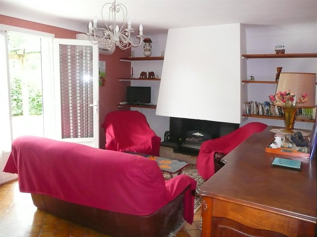 maison de style landais 4 chambres 20 mintes de mont de marsan agence contact immobilier. Black Bedroom Furniture Sets. Home Design Ideas