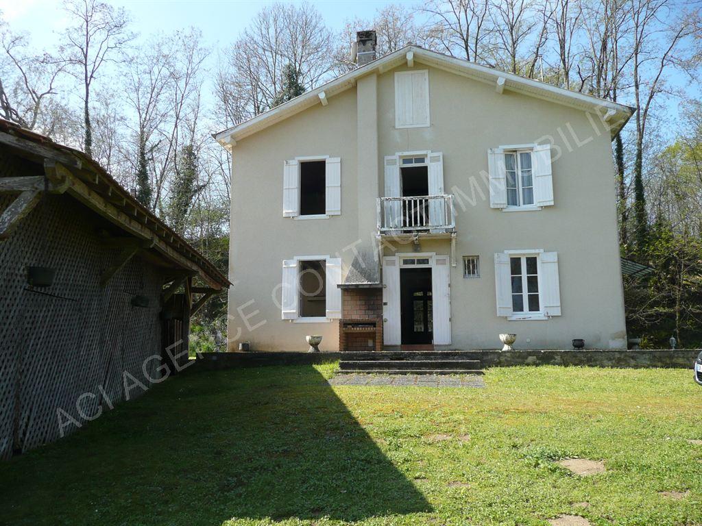 Maison sur grand terrain 6 pieces 10 mn de Mont De Marsan
