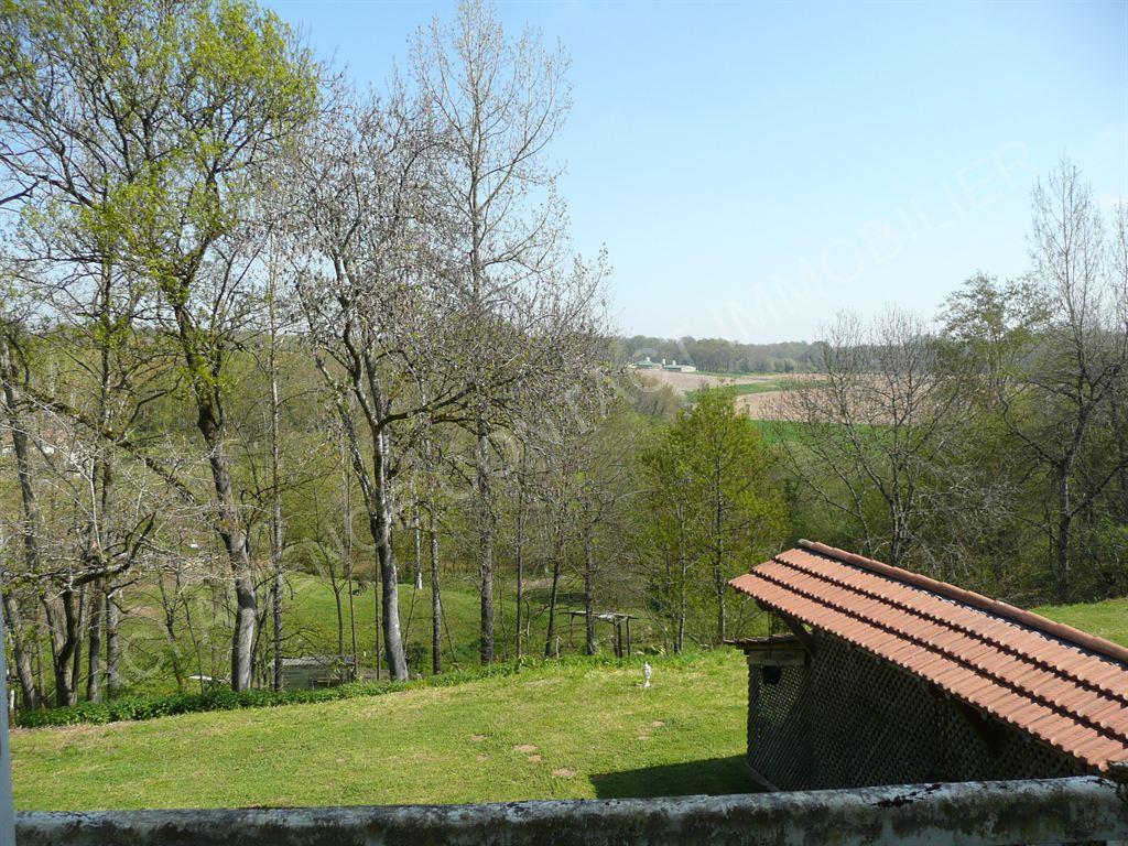 Maison sur grand terrain 6 pieces 10 mn de mont de marsan for Maison sur terrain rectangulaire