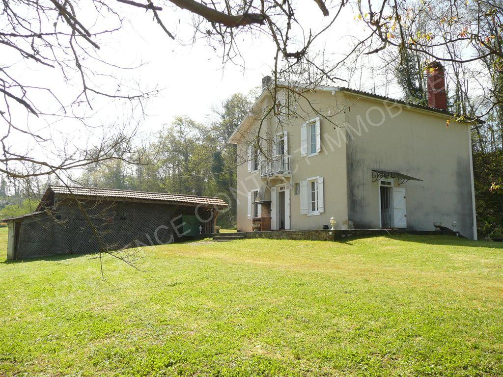 Maison sur grand terrain 6 pieces 10 mn de mont de marsan for Constructeur de maison mont de marsan