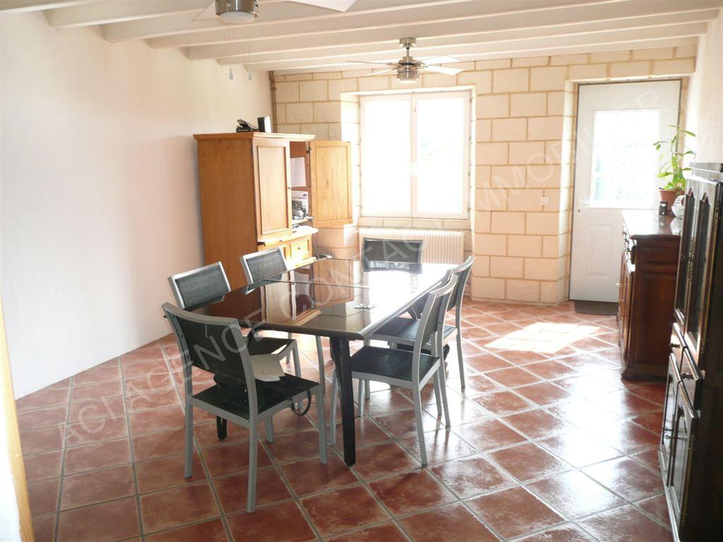 Ferme entièrement rénovée de 175 m² avec dépendances de 200 m² en pierre, Mont De Marsan