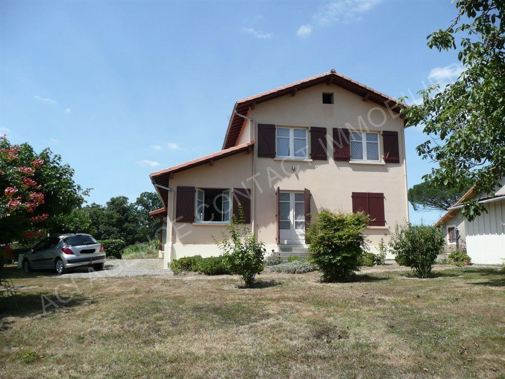 Maison sur chemin St Jacques de Compostelle Gers
