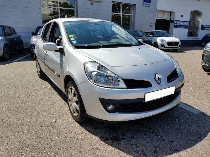 renault clio berline 1 2 tce 100ch privil ge 5p vente voiture villeurbanne richard drevet. Black Bedroom Furniture Sets. Home Design Ideas