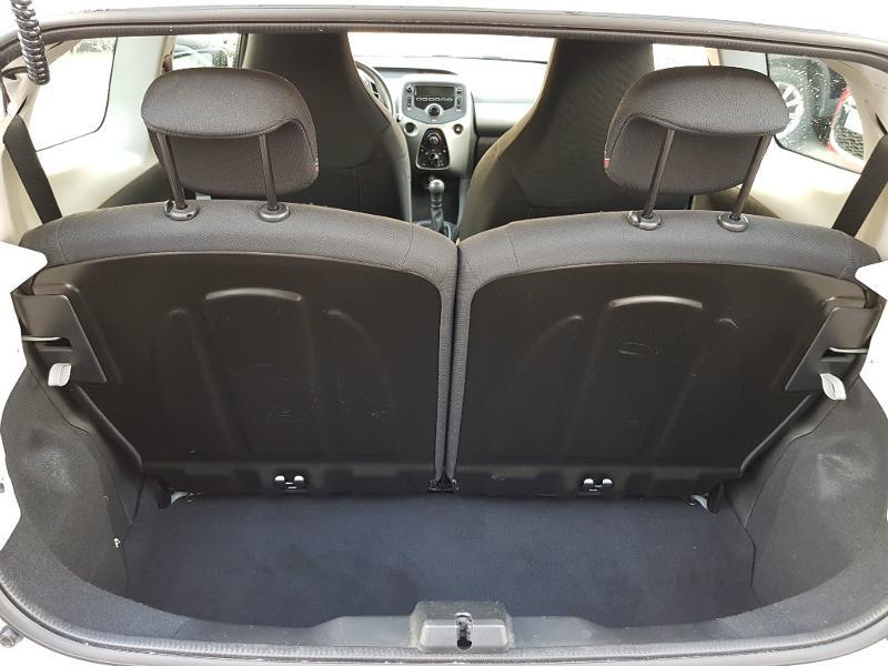 citroen c1 berline puretech 82 feel 3p vente voiture villeurbanne richard drevet automobiles. Black Bedroom Furniture Sets. Home Design Ideas