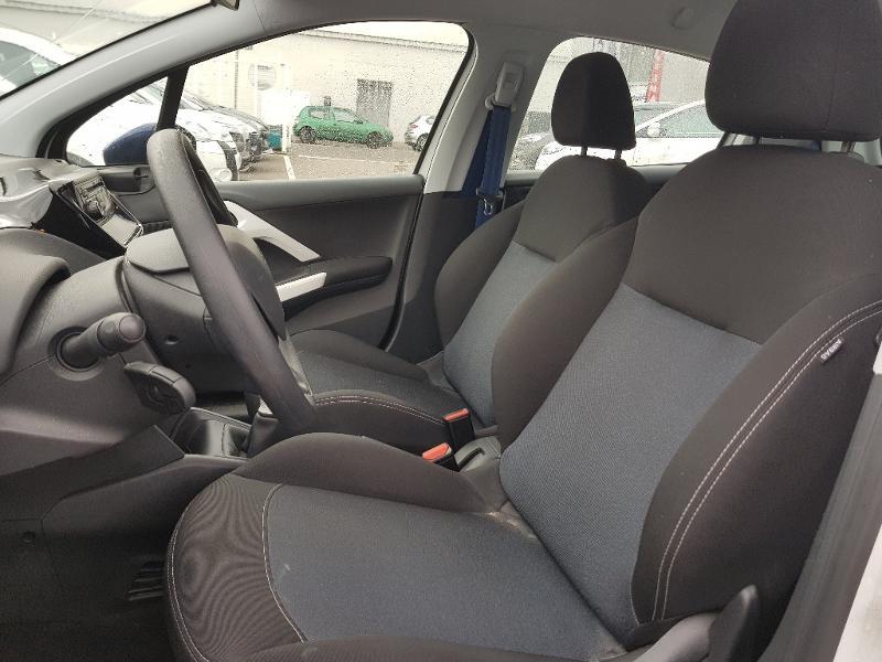 Peugeot 208 berline 1 0 puretech like 5p vente voiture for Miroir pour voiture