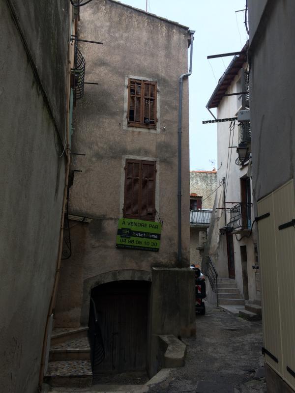 MAISON DE VILLAGE T3 BRIGNOLES BRIGNOLES, plein centre ville , idéal investisseur .