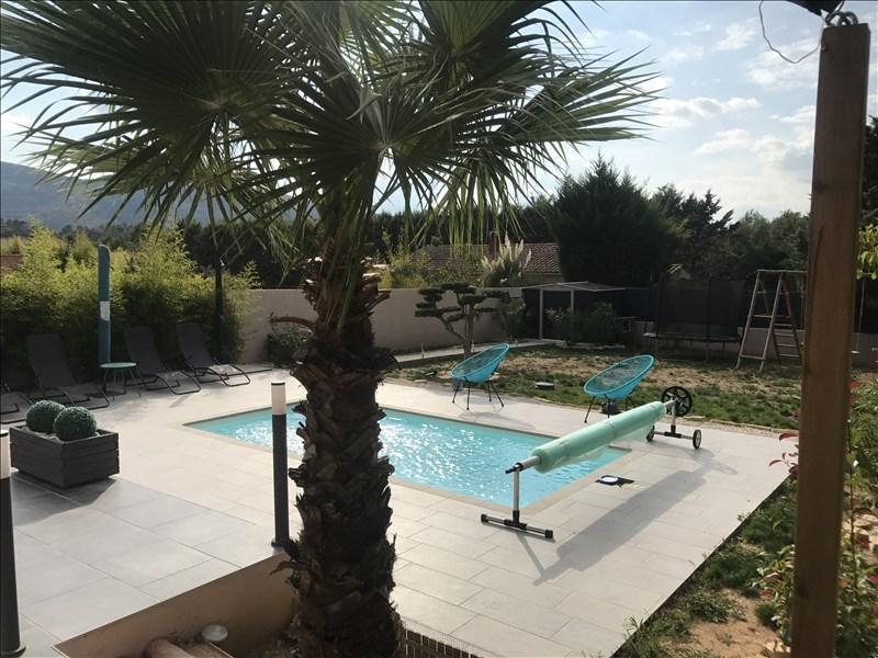 VILLA T5 ROCBARON récente, de plain pied avec piscine.