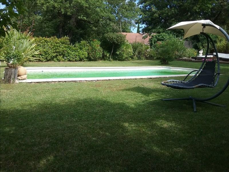 VILLA T4 GAREOULT avec piscine sans vis-à-vis.