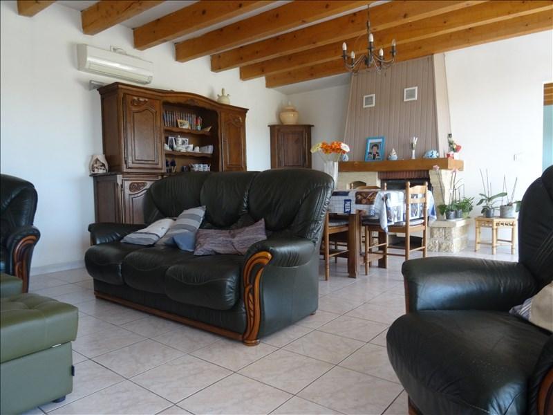 VILLA T4 LA ROQUEBRUSSANNE Située dans un environnement de qualité sans aucun voisin.