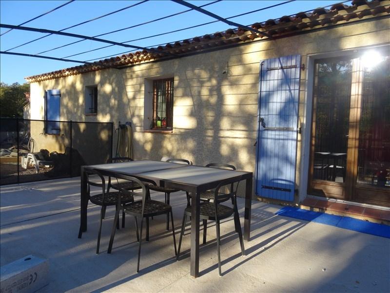 VILLA T4 LA ROQUEBRUSSANNE Garage, panneaux photovoltaïques, plein pied et AU CALME!