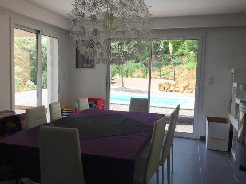 VILLA T4 LA ROQUEBRUSSANNE Quartier calme, avec T2 indépendant, garage et piscine!
