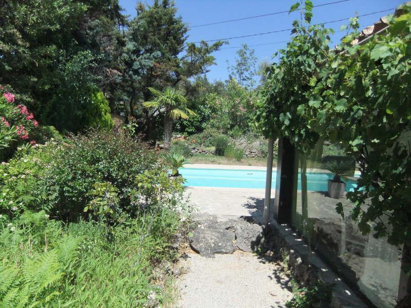 VILLA T5 GAREOULT sur superbe terrain paysagé avec piscine